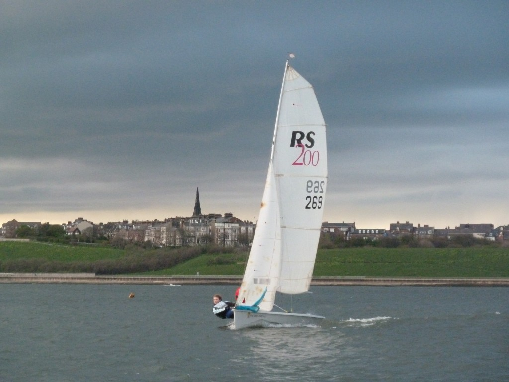 wed 15 may racing for tynemouth and south shields sailing clubs (21)