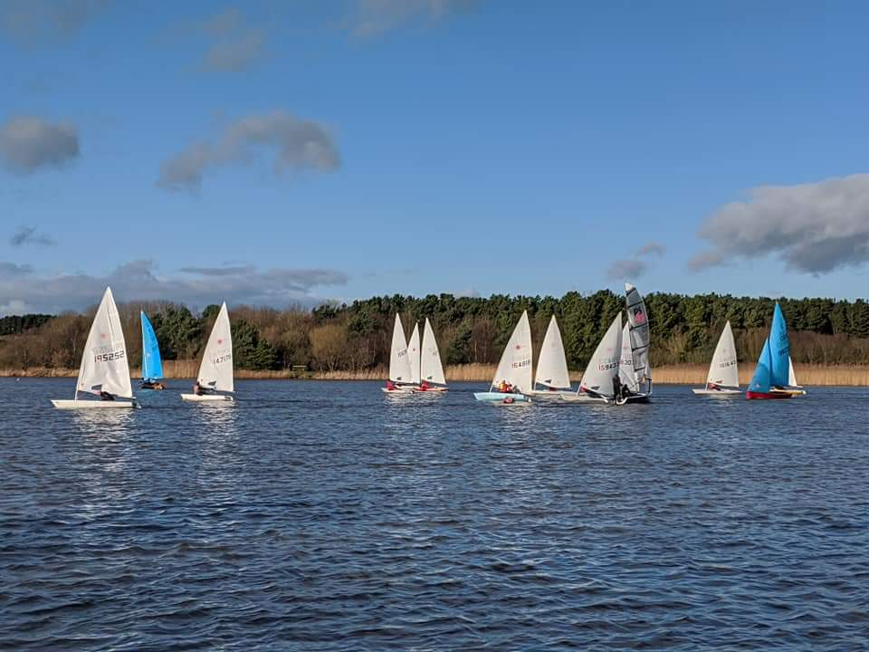 Tynemouth sailing club winter series at ladyburn lake